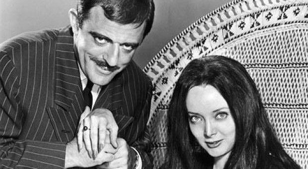 Carolyn_Jones_John_Astin_The_Addams_Family_1964