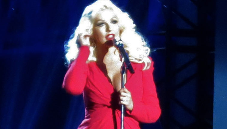 Christina_Aguilera_-_Breakthrough_Prize_Scientists,_2014