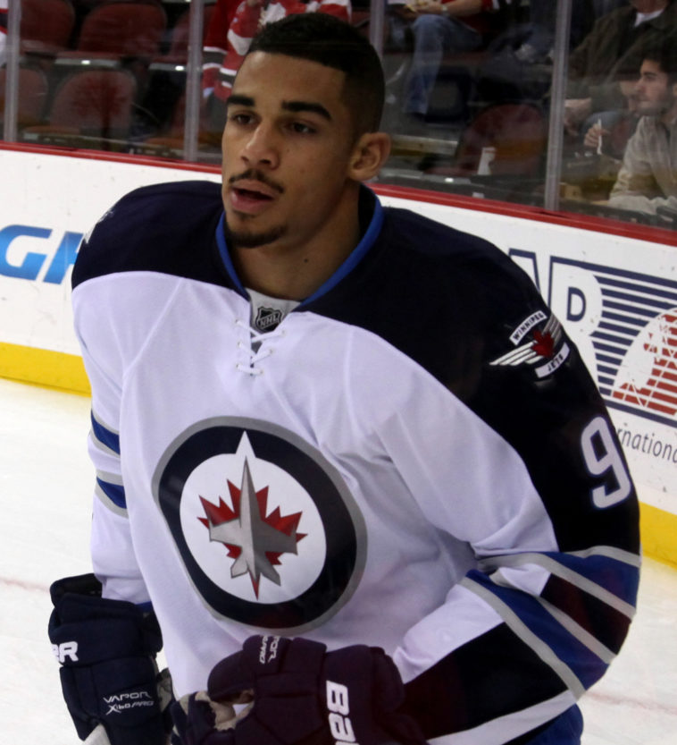 Winnipeg Jets Uniform