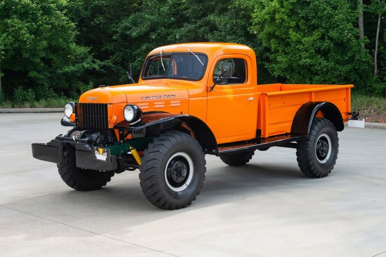 1968 Dodge Power Wagon(Berlin Motors)