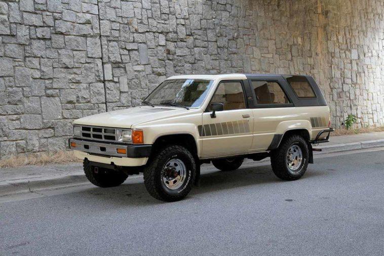 1985 Toyota 4Runner(Motorcar Studio)