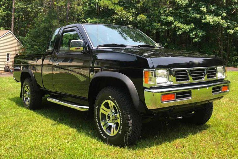 1997 Nissan Hardbody 4X4(Bring a Trailer)