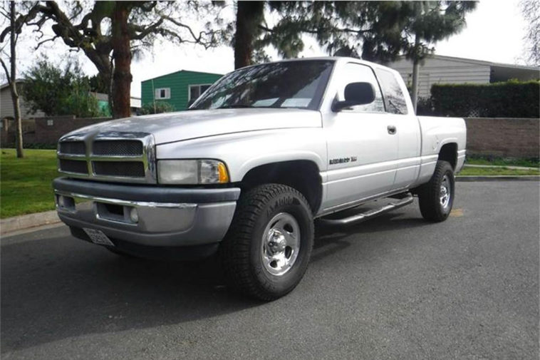 2001 Dodge Ram(classiccars.com)